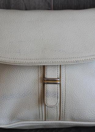 Шикарная кожаная сумка почтальонка
