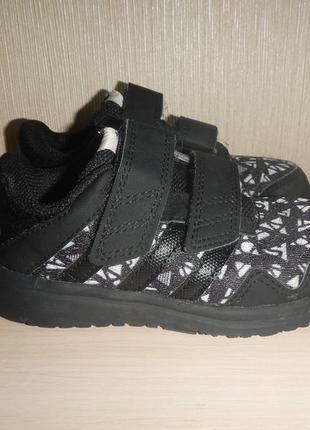 Кроссовки adidas р.24(15см)