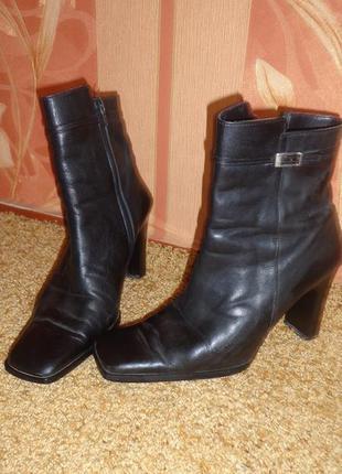 Кожаные демисезонные ботинки на каблуке roberto bartolini итал...