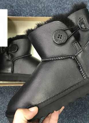 Женские угги ugg mini bailey button leather