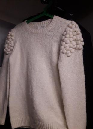 Белый свитер с шишечками. женский джемпер белый на весну off w...