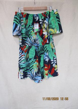 Яркий ромпер с шортами в тропический принт/открыты плечи