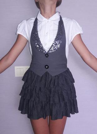 Школьный сарафан на 10-12 лет , оригинального пошива.