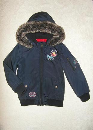 Куртка, теплая демисезонная куртка с нашивками на 6-7 лет в от...