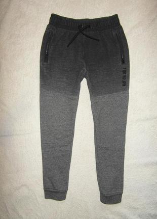 Спортивные штаны george  с начесом на 9-10 лет, заужены к низу