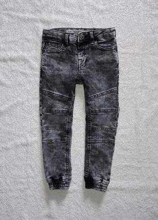 Джинсы, джоггеры, штаны на 3-4 лет на худенького мальчика