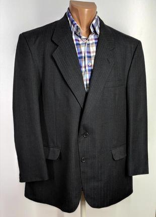Мужской темно - серый костюм размер 56