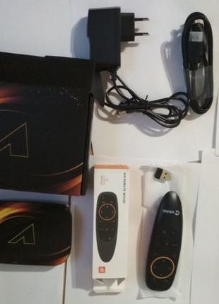 Смарт ТВ приставка Vontar X3+ аэромышь с голосовым вводом
