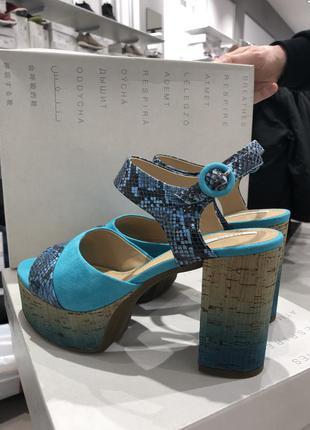 Новые босоножки на каблуке и платформе  geox дизайнерская линия