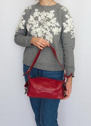 Красная сумка, натуральная кожа.