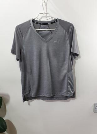 Женская футболка nike dri-fit