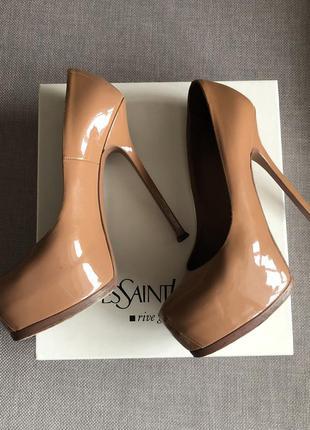 Туфли yves saint laurent tribtoo 39,5 лаковая кожа бежево-кори...