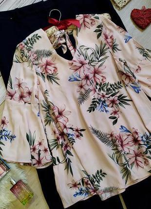 Шикарная вискозная блуза цвета пудры в цветы, рукава воланы ра...