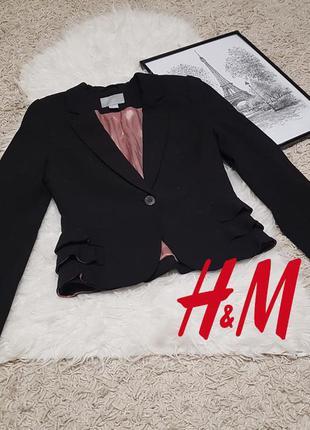 Шикарный очень стильный пиджак черного цвета в идеальном состо...