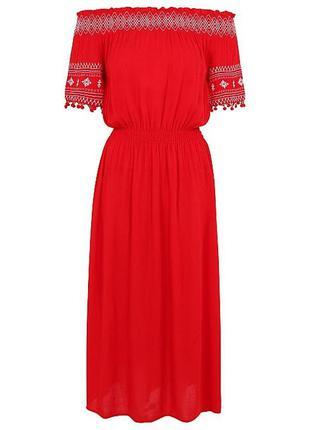 Натуральное новое  платье с вышивкой