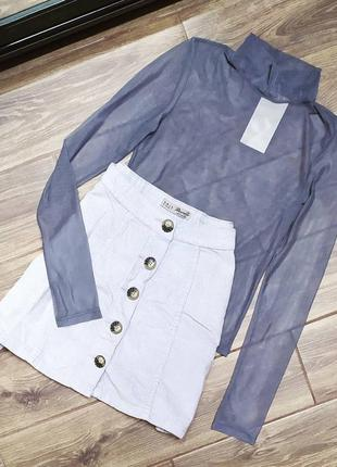 Вельветовая юбка с актуальными пуговицами