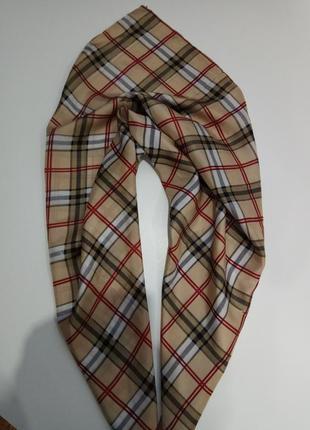 Шелковый платок под burberry