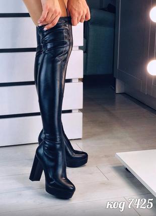Черные ботфорты деми на высоком каблуке