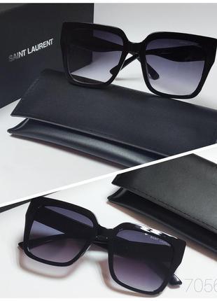 Женские очки черные  классика солнцезащитные