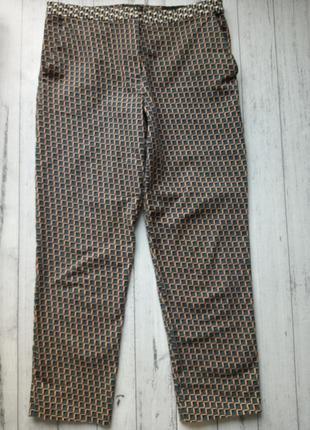 Укороченные брюки капри в принт