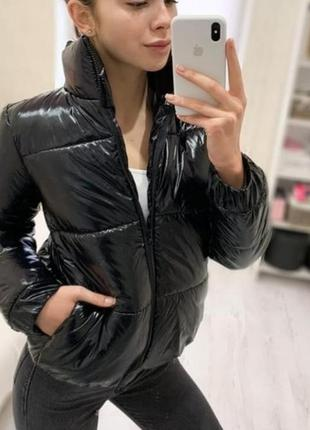 Куртка глянцевая короткая