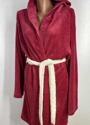 Женский мягкий короткий халат с капюшоном размер м
