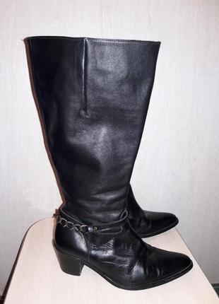 Шикарные кожаные сапоги dominigue.