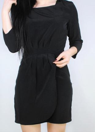 Черное платье с юбкой на запах mango