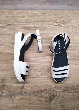 Новые кожаные босоножки на платформе от производителя 37 и 38 ...