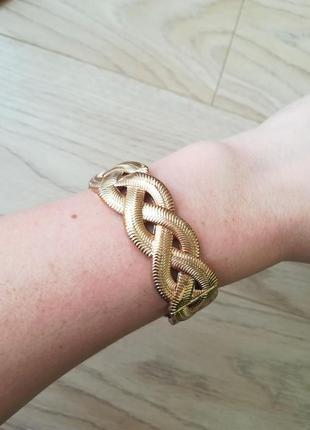 Красивый объемный браслет на резинке, плетение под золото