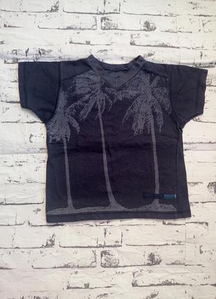Красивая футболка с пальмами 3-4 года.