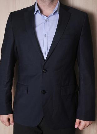 """Тонкий шерстяной   темно синий пиджак  """"hugo boss"""""""