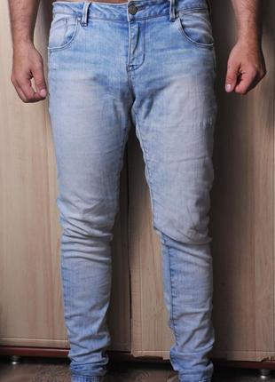 Шикарные  тонкие джинсы reserved