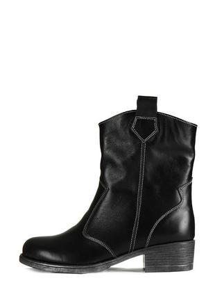 Кожаные женские черные демисезонные ботинки казаки с широким г...