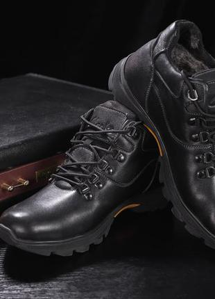 Мужские ботинки кожаные зимние черные yuves 500