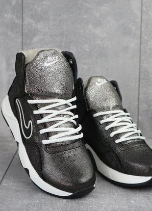 Женские кроссовки кожаные зимние черные crossav 316