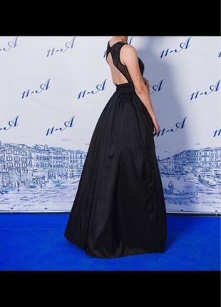 Платье фирмы «Pronovias»