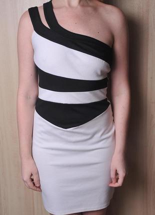 Платье на одно плечо.!!!расродпжа дешево!!!