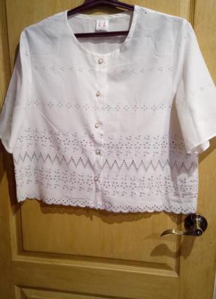 Нежная блузка с вышивкой большой размер