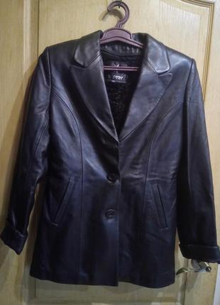 Кожаная куртка осень/весна 100 %