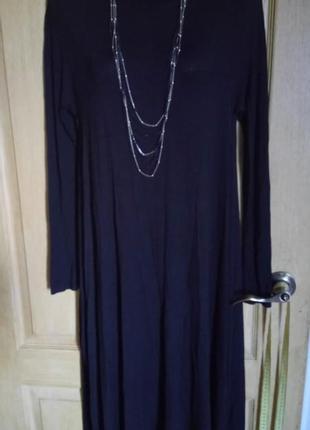 Вискозное платье с ассиметричным низом