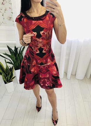 Брендовое платье с камнями ted baker