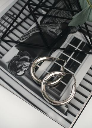 Стильные серьги крупные массивные серебряные кольца круглые ку...
