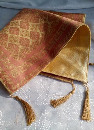 Наволочка на диванную подушку, текстиль (гобелен, люрекс) на з...