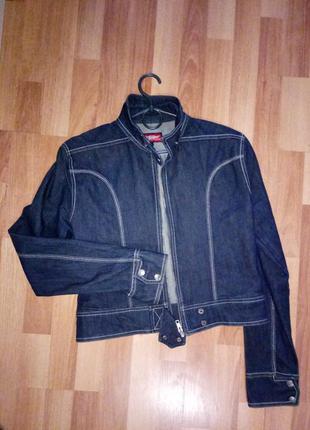 Джинсовая  куртка пиджак на молнии
