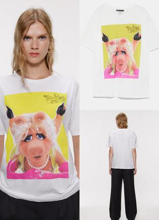 Футболка zara с принтом miss piggy © the muppets