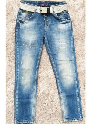 27 р джинсы бойфренды wats up с эффектом дистессинга
