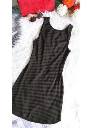 Мини     платье цвета хаки с открытой спинкой от бренда foreve...