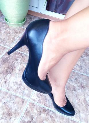 Шикарные туфли лодочки с волнообразным краем от graceland 37/23.5