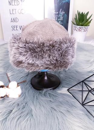 Accessories france 56 тёплая бежевая шапка с меховым ободком